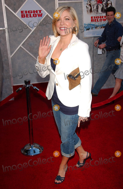 Jennifer Aspen Photo - Jennifer Aspenat the premiere of Eight Below El Capitan Los Angeles CA 02-12-06