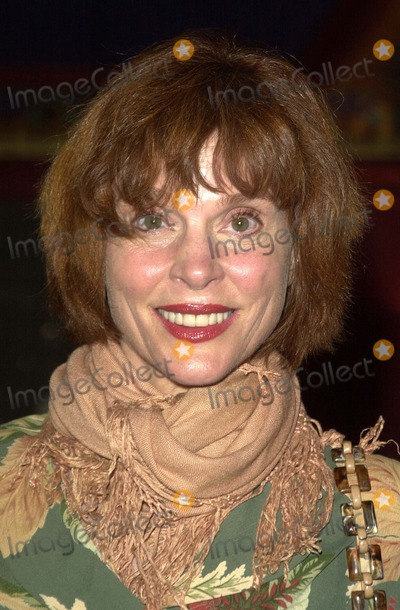 Leigh Taylor-Young Photo - Leigh Taylor Young at the handprint ceremony honoring the 30th Anniversary of Paper Moon Vista Theater Los Angeles CA 08-21-03