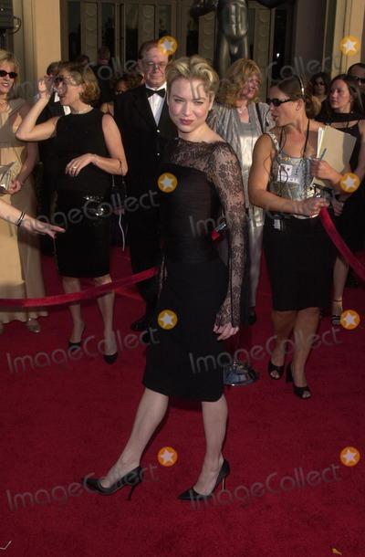 Renee Zellweger Photo - Renee Zellweger at the 9th Annual Screen Actors Guild Awards arrivals Shrine Auditorium Los Angeles CA 03-09-03