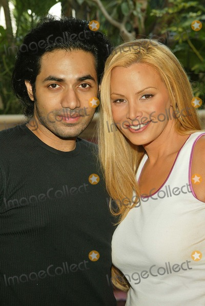 Anand Jon Photo - Cindy Margolis and designer Anand Jon Cindy Margolis poses with designer Anand Jon The Four Seasons Hotel Beverly Hills CA 10-06-04