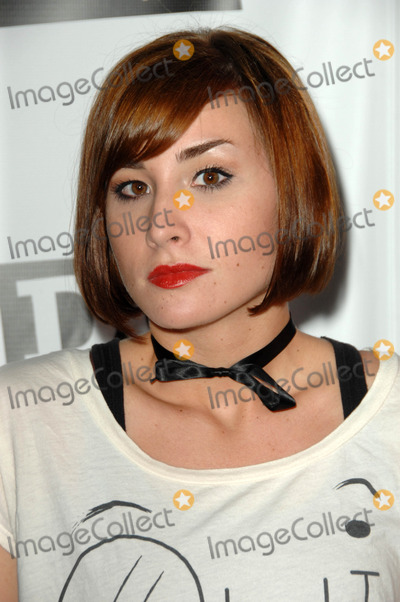 Allison Scagliotti Photo - Allison Scagliottiat DoSomethingorgs The Power of Youth Gala Madame Tussauds Hollywood CA 08-08-09