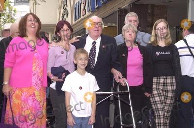 Ray Bradbury Photo - Ray Bradbury and family members at the Star on the Walk of Fame ceremony 04-01-02