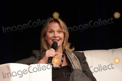 Mariette Hartley Photo - Mariette Hartleyappearing at the Los Angeles Ultimate Womens Expo Los Angeles Convention Center Los Angeles CA 10-27-13