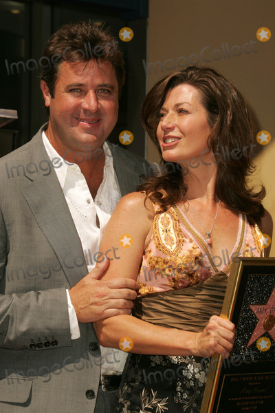 Amy Grant Photo - Vince Gill and Amy Grantat the ceremony honoring Amy Grant with the 2318th star on the Hollywood Walk of Fame Hollywood Boulevard Hollywood CA 09-19-06