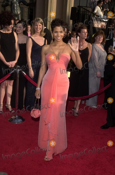 Halle Berry Photo - Halle Berry at the 9th Annual Screen Actors Guild Awards arrivals Shrine Auditorium Los Angeles CA 03-09-03