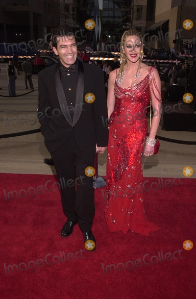 Melanie Griffith Photo -  Antonio Banderas and Melanie Griffith at the 2000 Alma Awards in Pasadena 04-16-00