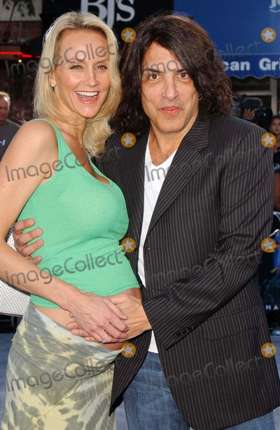 Paul Stanley Photo - Paul Stanley and wife Erinat the World Premiere of Superman Returns Mann Village Theater Westwood CA 06-21-06