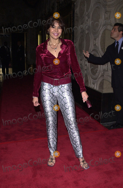 Maria Conchita Alonso Photo -  Maria Conchita Alonso at the premiere of Touchstones O Brother Where Art Thou at the El Capitan Theater Hollywood 10-20-00