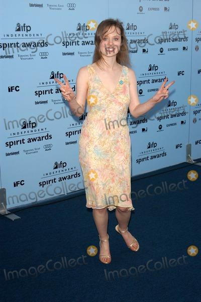 Thora Birch Photo - Thora Birch at the 2003 IFP Independent Spirit Awards Arrivals Santa Monica Beach Santa Monica CA 03-22-03