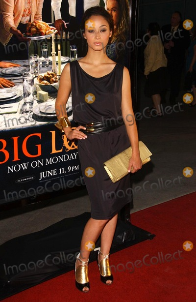 Cara Santana Photo - Cara Santanaat the season premiere of Big Love The Cinerama Dome Hollywood CA 06-07-07
