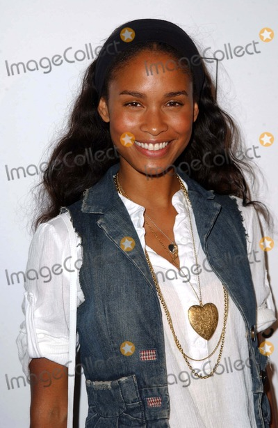 Joy Bryant Photo - Joy Bryantat the Inaugural Kid Art Event A Benefit For PS Arts Lo-Fi Los Angeles CA 06-01-06