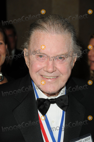 Cliff Robertson Photo - Cliff Robertson at the 8th Annual Living Legends of Aviation Beverly Hilton Hotel Beverly Hills CA 01-21-11