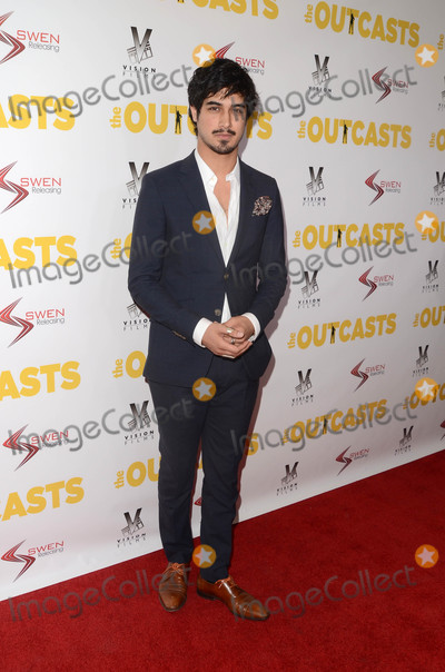 Avan Jogia Photo - Avan Jogiaat The Outcasts Premiere Landmark Regent Theater Westwood CA 04-13-17
