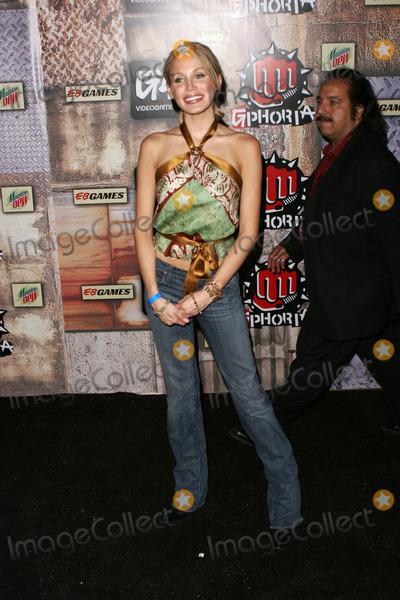 Amanda Swisten Photo - Amanda SwistenAt G-Phoria - The Mother of all Videogame Award Shows Los Angeles Center Studios Los Angeles CA 07-27-05