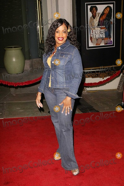 Niecy Nash Photo - Niecy Nash at the premiere of Warner Bros Love Dont Cost A Thing at the Chinese Theater Hollywood CA 12-10-03