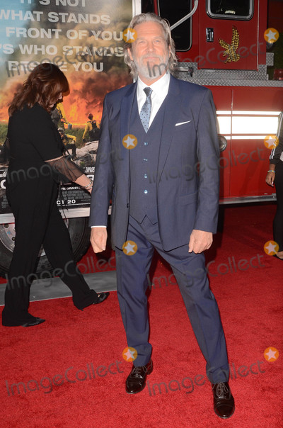 Jeff Bridges Photo - Jeff Bridgesat the Only The Brave World Premiere Village Theater Westwood CA 10-08-17
