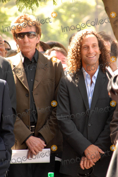 Kenny G Photo - Barry Manilow and Kenny Gat the ceremony honoring Dave Koz with a star on the Hollywood Walk of Fame Vine Street Hollywood CA 09-22-09