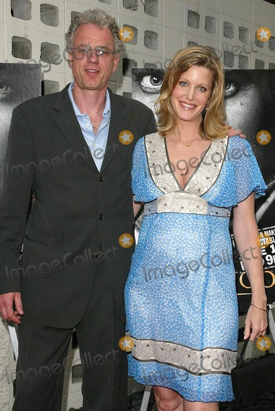Anna Gunn Photo - Anna Gunn and husbandat the premiere of HBOs Deadwood Season 3 Cinerama Dome Hollywood CA 06-06-06