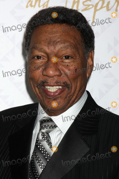 Alfred Mann Photo - Billy Davis Jrat the 10th Alfred Mann Foundation Gala Robinson-May Lot Beverly Hills CA 10-13-13