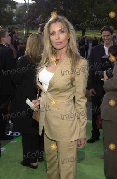 Heather Thomas Photo - Heather Thomas at the Earth to LA II to benefit the Natural Resources Council  Wadsworth Theater West LA 05-10-02