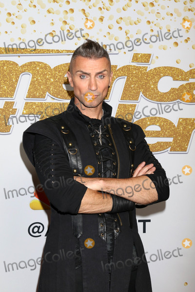 Aaron Crow Photo - Aaron Crowat the Americas Got Talent Live Show Red Carpet Dolby Theater Hollywood CA 09-11-18