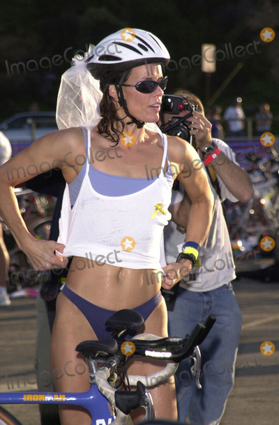Alexandra Paul Photo -  Alexandra Paul at the 14th Annual Nautica Triathlon in Zuma Beach 09-17-00