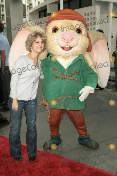 Kate Dicamillo Photo - Kate DiCamillo  at the World Premiere of The Tale of Despereaux Arclight Hollywood Hollywood CA 12-07-08