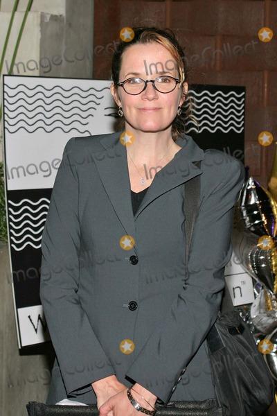 Lea Thompson Photo - Lea Thompson at the 40 Fabulous Faces Unveiled a celebration of women over the age of 40 at the Falcon Restuarant Hollywood CA 05-24-04