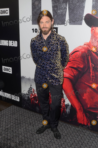Tom Payne Photo - Tom Payneat The Walking Dead Season 9 Premiere Event DGA Los Angeles CA 09-27-18