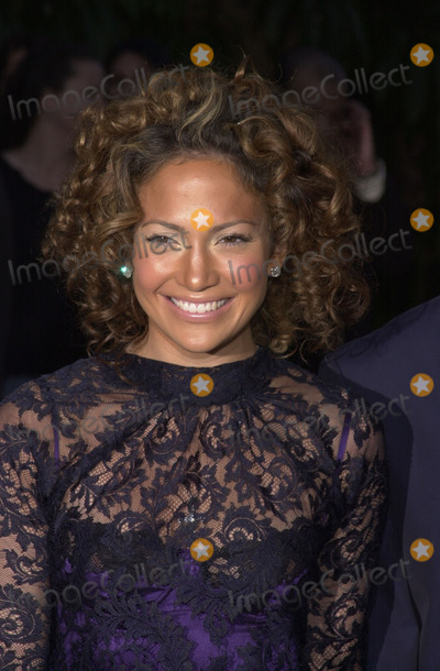 Angel Eyes Photo -  Jennifer Lopez at the premiere of Warner Brothers Angel Eyes at the Egyptian Theater Hollywood 05-15-01