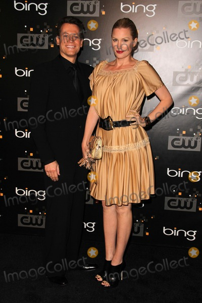 Alice Evans Photo - Ioan Gruffudd Alice Evansat the CW Premiere Party presented by Bing Warner Bros Studios Burbank CA 09-10-11