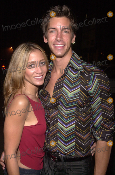 Kaya Wittenberg Photo -  Kaya Wittenberg and Valerie Penso of Temptation Island at the fashion show and premiere for Artisan Entertainments Center Of The World at the Las Palmas Club Hollywood 04-17-01