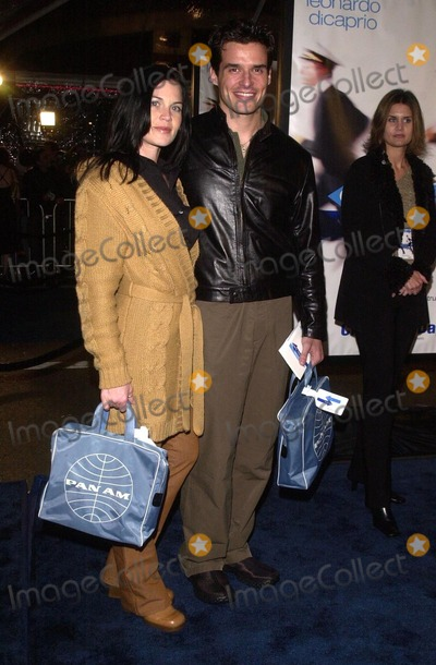 Antonio Sabato Jr Photo - Antonio Sabato Jr and Kristen at the premiere of Dreamworks Catch Me If You Can at Mann Village Theater Westwood CA 12-16-02