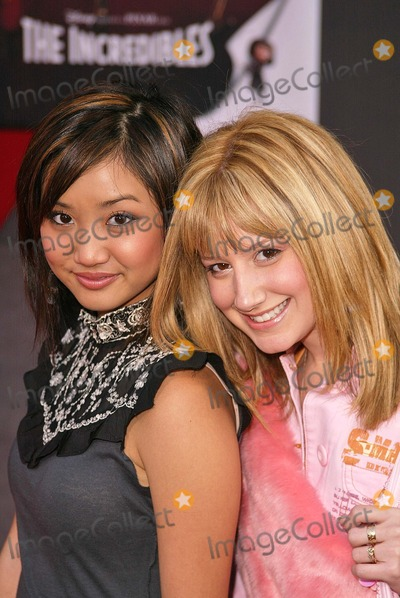 Ashley Tisdale Photo - Brenda Song and Ashley Tisdale At the premiere for The Incredibles El Capitan Hollywood CA 10-24-04