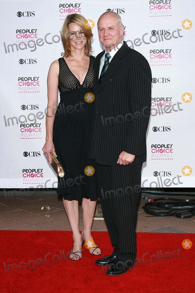 Alan Dale Photo - Tracey Dale and Alan Dalearriving at The 33rd Annual Peoples Choice Awards Shrine Auditorium Los Angeles CA 01-09-07