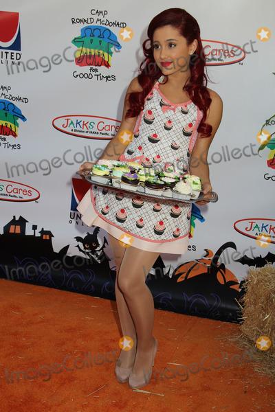 Ronald McDonald Photo - Ariana Grandeat the 10th Annual Camp Ronald McDonald For Good Times Universal Studios Universal City CA 10-23-11