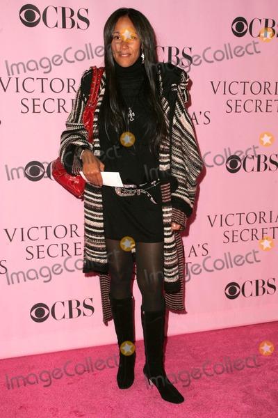 Cynthia Garrett Photo - Cynthia Garrettarriving at The Victorias Secret Fashion Show Kodak Theatre Hollywood CA 11-16-06