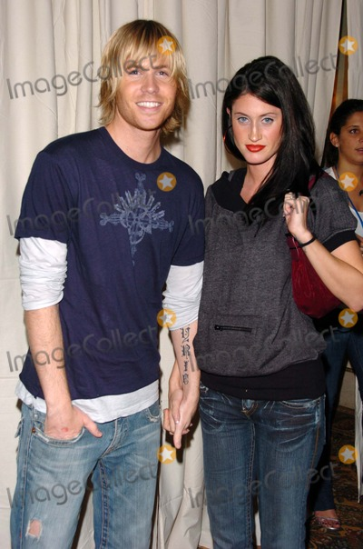 Ashley Parker Photo - Ashley Parker Angel and friendarriving at the 2 B Free Fall 2006 fashion show Regent Beverly Wilshire Los Angeles CA 03-17-06