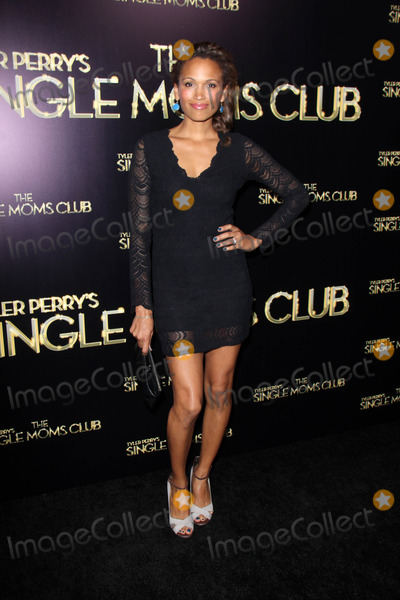 NICOLE PULLIAM Photo - Nicole Pulliamat the Tyler Perrys The Single Moms Club World Premiere Arclight Hollywood CA 03-10-14