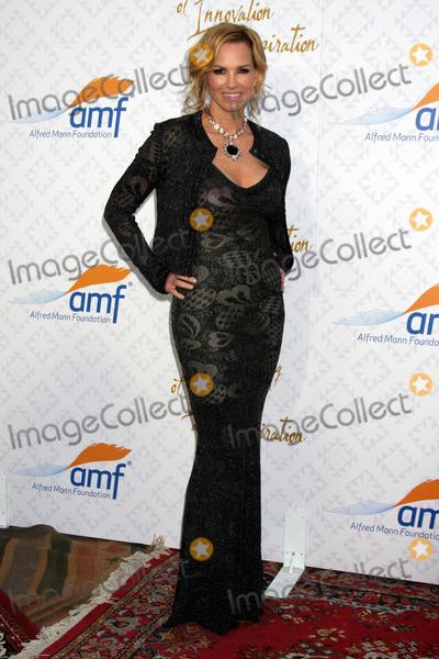 Alfred Mann Photo - Janet Jones Gretzkyat the 10th Alfred Mann Foundation Gala Robinson-May Lot Beverly Hills CA 10-13-13