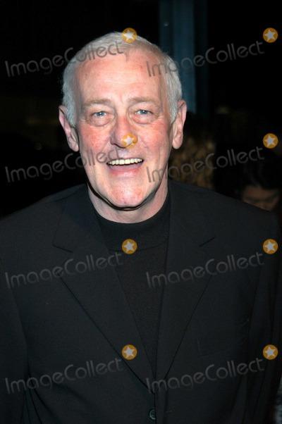 John Mahoney Photo - John Mahoney at Academy of Television Arts and Sciences Honor Emmy Nominees Spago Beverly Hills Calif 09-18-03