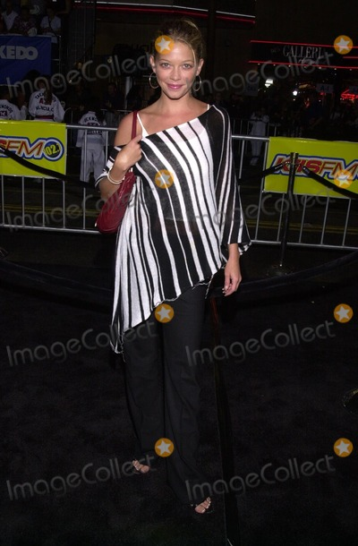 Amanda Detmer Photo - Amanda Detmer at the premiere of Dreamworks The Tuxedo at Graumans Chinese Theater Hollywood 09-19-02