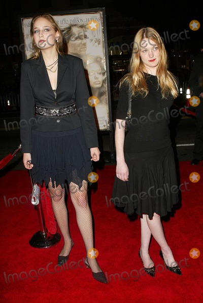 Azura Skye Photo - Leelee Sobieski and Azura Skye at the world premiere of Warner Bros Alexander at the Chinese Theater Hollywood CA 11-16-04