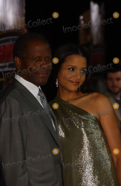Sydney Poitier Photo - Sidney Poitier and Sydney Tamiia Poitierat the Los Angeles premiere of Grindhouse Orpheum Theatre Los Angeles CA 03-26-07