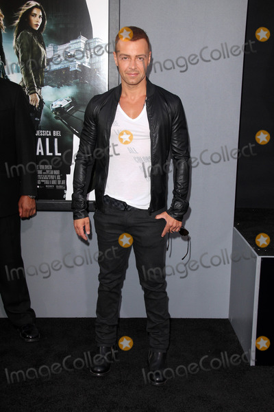 Joseph Lawrence Photo - Joseph Lawrenceat the Total Recall Los Angeles Premiere Chinese Theater Hollywood CA 08-01-12