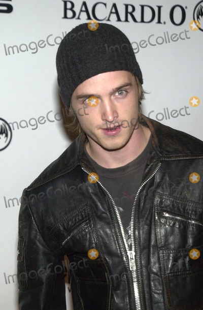 Aaron Paul Photo - Aaron Paul at An Evening of Fashion and Music Presented by Step Up Womens Network and Lexus Henson Studios Hollywood 10-11-02