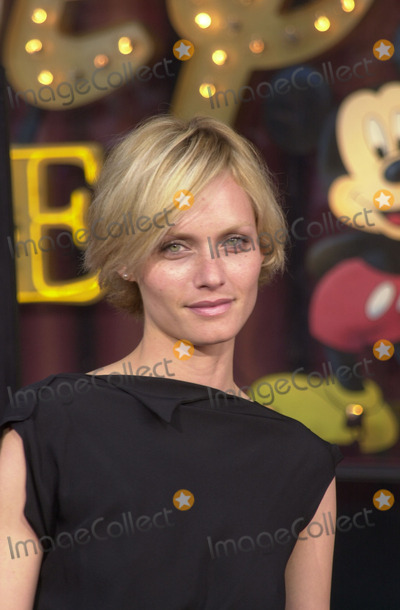 Amber Valletta Photo - Amber Valletta at the premiere of Warner Brothers Insomnia at the El Capitan Theater Hollywood 05-22-02