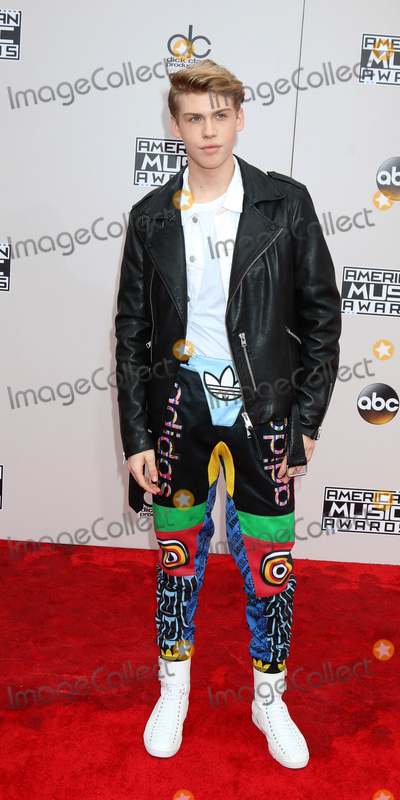 Aidan Alexander Photo - LOS ANGELES - NOV 20  Aidan Alexander at the 2016 American Music Awards at Microsoft Theater on November 20 2016 in Los Angeles CA