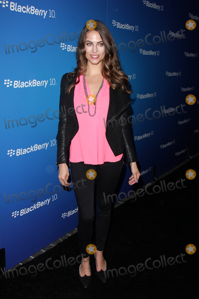 Julia Voth Photo - LOS ANGELES - MAR 20  Julia Voth arrives at the US launch of the Blackberry Z10 Smartphone at the Cecconis on March 20 2013 in West Hollywood CA