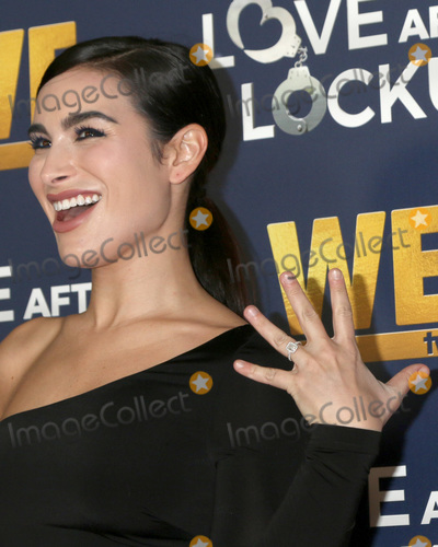 Ashley Iaconetti Photo - LOS ANGELES - DEC 11  Ashley Iaconetti at the WE tvs Real Love  Relationship Reality at the Paley Center for Media on December 11 2018 in Beverly Hills CA